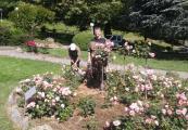 Nathalie et Michel en plein jardinage