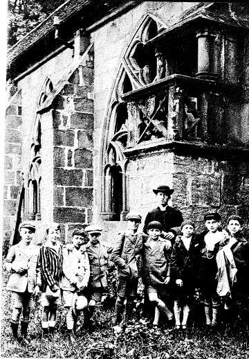 Jean Rodhain, fondateur de la Cité Saint-Pierre à Lourdes, vicaire à Epinal en 1928