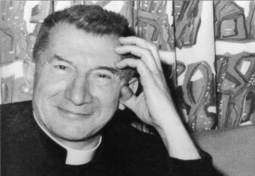 En 1970, Jean Rodhain, fondateur de la Cité Saint-Pierre à Lourdes.