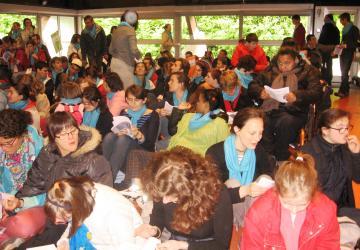 célébration du groupe A bras ouverts au Cairn haut en mai 2013 à la Cité Saint-Pierre à Lourdes