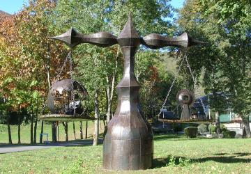 Balance de la charité réalisée en 2000 à la Cité Saint-Pierre à Lourdes