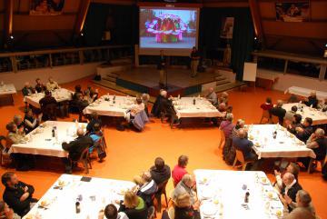 soirée au Cairn haut avec un groupe extérieur à la Cité Saint-Pierre à Lourdes