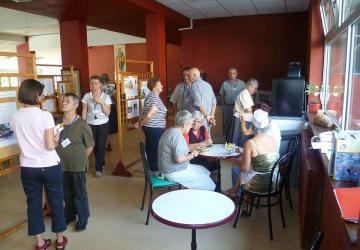 S'adapter dans la bonne humeur : indispensable pour vivre le service bénévole à la Cité Saint-Pierre à Lourdes !
