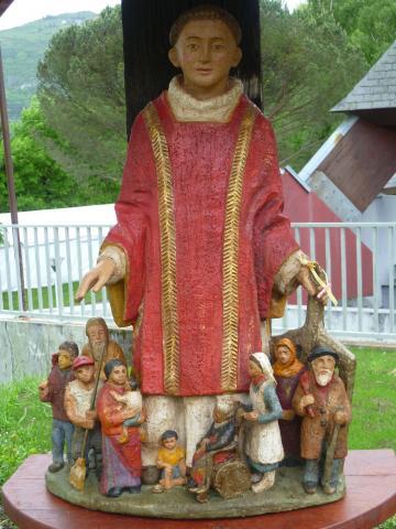 Statue de Saint Laurent, martyr de l'Eglise lui qui a affirmé que le trésor de l'Eglise, ce sont les pauvres
